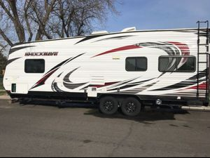 2017 Toy Hauler Shock Wave By Forest River T24FQMX for Sale in Fresno, CA