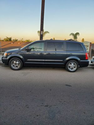2013 CHRYSLER TOWN & COUNTRY for Sale in Chula Vista, CA