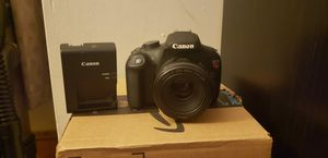 Canon rebel t5 for Sale in Camden, NC