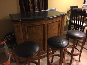 Bars and swivel stools for Sale in Chicago, IL