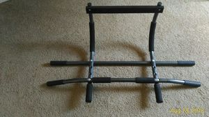 Like new doorway pull up bar/chin up bar for Sale in Roanoke, VA