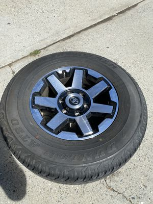 "17"" 4 runner wheels with tires for Sale in Wenatchee, WA"