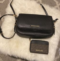 Micheal Kors Bag And Wallet for Sale in Lawrence,  MA