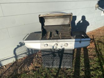 Free BBQ 🍗 🍖 for Sale in East Wenatchee,  WA