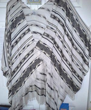 Nine West Womens Ladies Fringed Wraparound Striped Poncho Like New! for Sale in Leesburg, FL