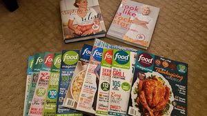 Assorted Cookbooks/Cooking Magazines Bundle for Sale in OH, US