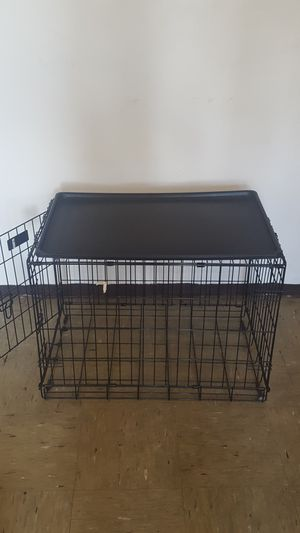 Medium size dog crate for Sale in Brooklyn, NY