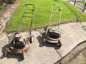 TWO COMMERCIAL 21 SNAPPER MOWERS for Sale in Houston, TX