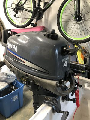 Yamaha 4hp 2002 outboard portable for Sale in Tarpon Springs, FL