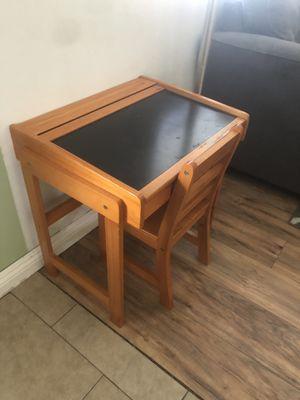 Kids desk for Sale in San Bernardino, CA