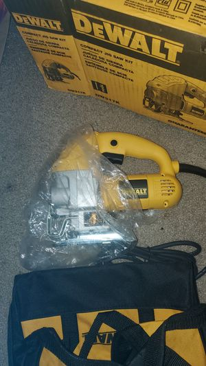 DE Walt compact jigsaw kit and carrying bag for Sale in Kent, WA