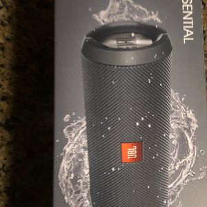 Jbl Flip Bluetooth Speaker Brand New In Box for Sale in Stillwater, MN