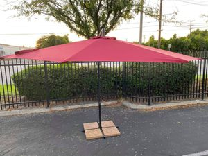 ☀️Round 10ft Patio Offset Umbrella☀️ for Sale in Ontario, CA
