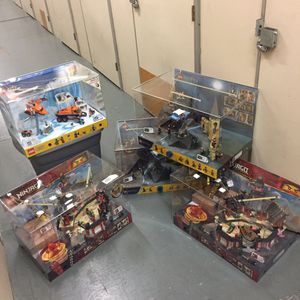 LEGO STORE DISPLAY for Sale in Tigard, OR