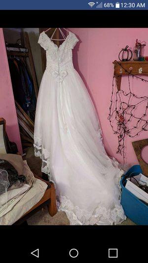 Beautiful Wedding Dress for Sale in Westmoreland, TN