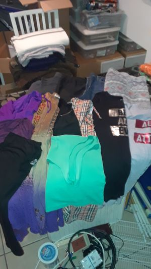 Women's Junior 2xl Clothing (lot) for Sale in Haines City, FL