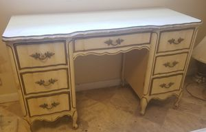 Sale!! DIXIE FRENCH PROVINCIAL ANTIQUE WHITE, SOLID WOOD DESK for Sale in Aloma, FL