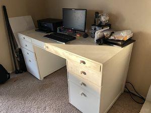 Desk for Sale in Patterson, CA