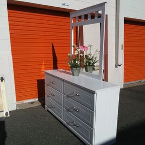 Modern White Dresser With Mirror From Ashley Furniture Great Condition for Sale in Fairfax, VA