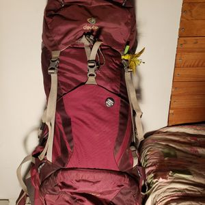 DEUTER 45+10 WOMEN'S BACKPACK for Sale in Happy Valley, OR