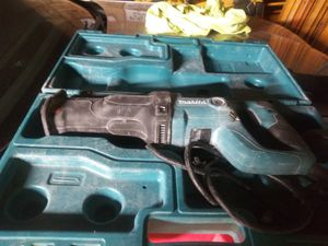 Makita Sawzall asking 40 dollars price is firm for Sale in Oak Park, IL