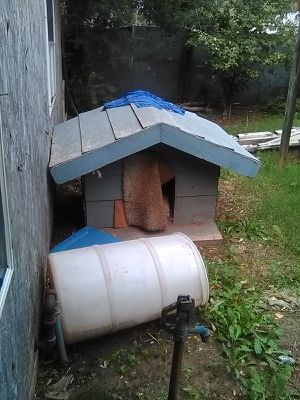 Dog house big and heavy for Sale in Oklahoma City, OK