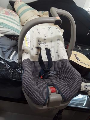 Evenflo car seat for Sale in Pearl, MS