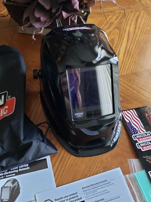 Lincoln Electric welding helmet 3350 series 4C lens technology for Sale in North Royalton, OH