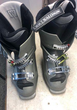 Salomon xwave 70 women ski boots for Sale in Elk Grove Village, IL