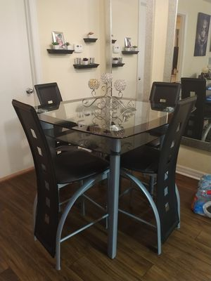 Dining room table with four chairs for Sale in Tampa, FL