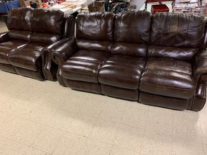 2piece Leather Electric Recliner Set for Sale in Norfolk, VA