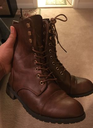 Girls boots Size 4 for Sale in Clarksburg, MD