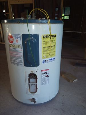 30 Gallon Rheem water heater for Sale in Fort Lauderdale, FL