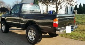 1-OWNER VEHICLE TACOMA TOYOTA 2001 for Sale in Aurora, IL