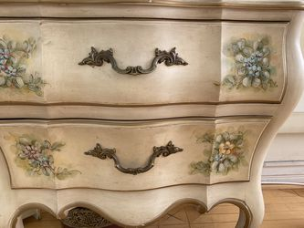Vintage Hand painted Solid Wood Bedroom Set for Sale in Marina del Rey,  CA