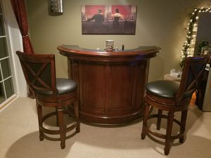Bar with 2 stools for Sale in Lancaster, PA