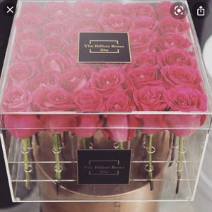 Flower Arrangement Box / Decor for Sale in Los Angeles, CA