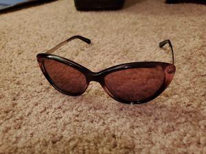 Kate spade cat eye livia sunglasses for Sale in Virginia Beach, VA