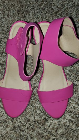 Size 10 hot pink heels for Sale in Round Rock, TX