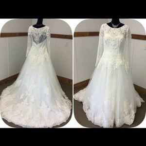 Jewel Wedding Dress for Sale in Fresno, CA