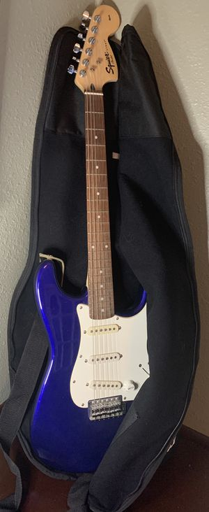 Fender Squier Strat Affinity Electric 6 string guitar with case royal blue for Sale in Cypress, TX