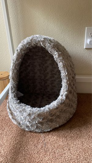 Hooded pet bed (cat/small dog) for Sale in Portland, OR