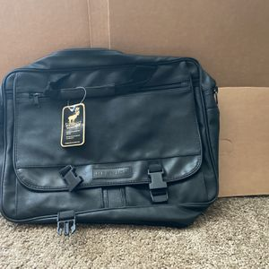 New Black Leather Renwick Messenger Hand Bag for Sale in McHenry, IL