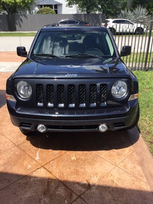 2015 Jeep Patriot, rebuilt title good condition 7,000 any cuestión call {contact info removed} Anthony for Sale in Princeton, FL