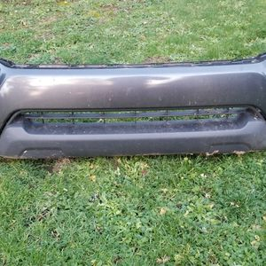 2014 Toyota Tacoma Front Bumper With Fog Lights for Sale in Kent, WA