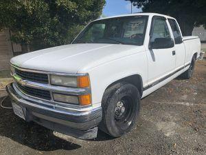 1995 Chevy Silverado for Sale in Madera, CA