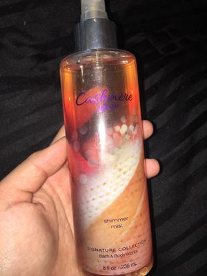 Cashmere Glow Shimmer Mist for Sale in Los Angeles, CA