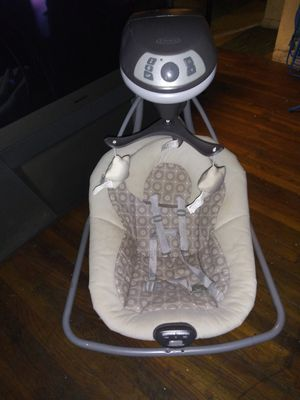 Graco baby swing for Sale in Columbus, OH