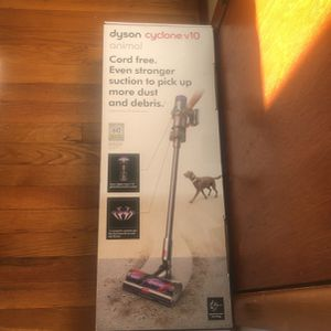 Dyson Cyclone V10 Animal Vacuum for Sale in Locust Valley, NY