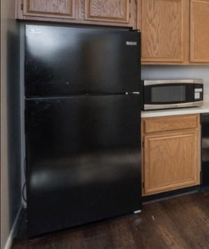 Black kitchen appliances. Fridge stove and dishwasher for Sale in Pasadena, MD